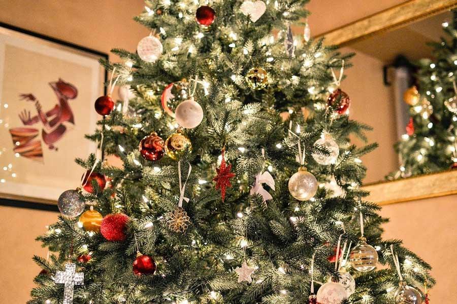 Bien décorer sa maison pour vivre un Noël féerique | Urban Cocoon